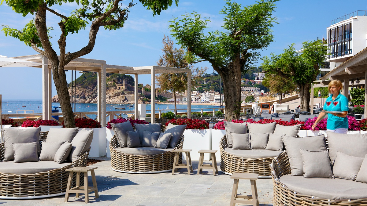 restaurant terrace beach