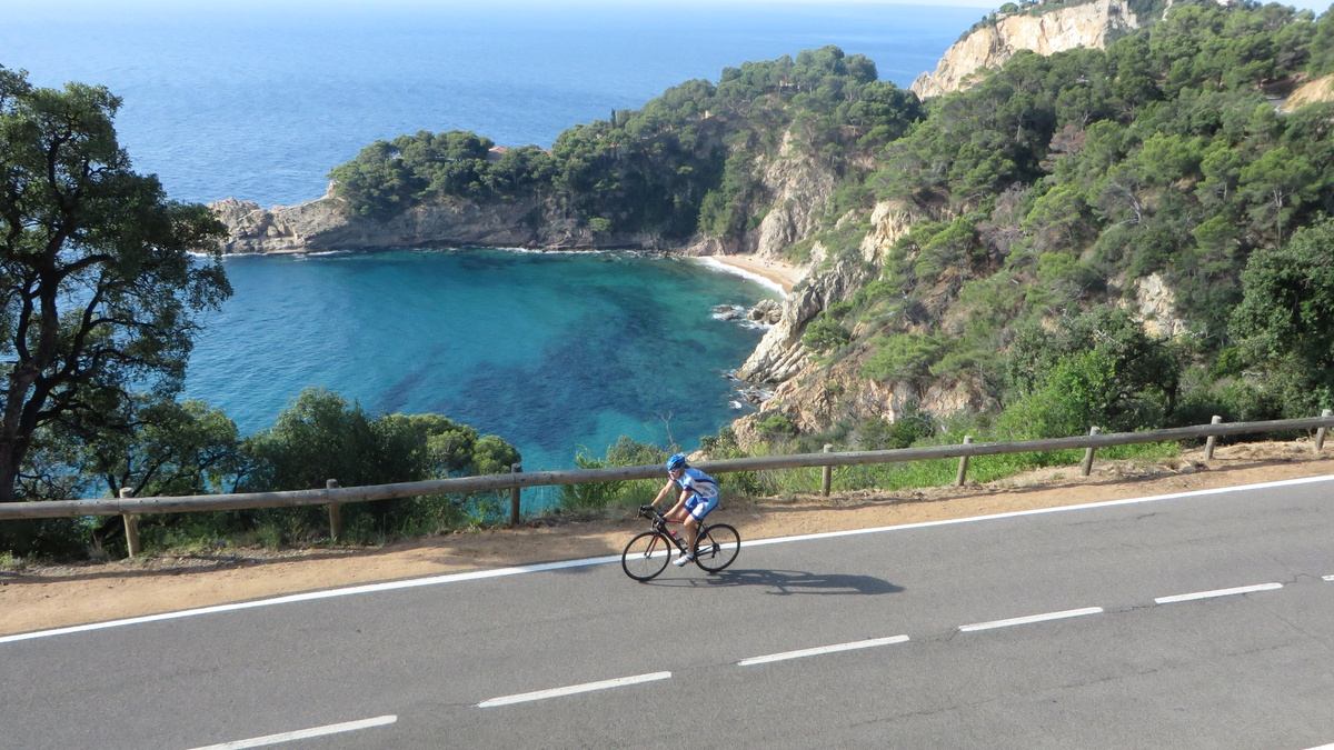 hotel cycle tourism cycling Costa Brava holidays bicycle
