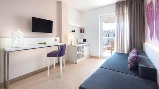 Tropic Garden Hotel & Apartments