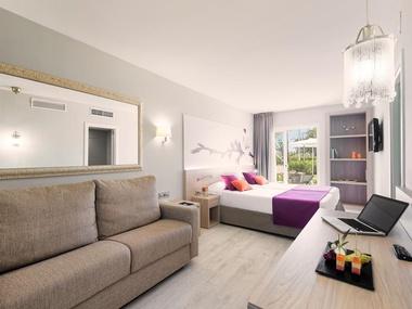 Premiumdoppelzimmer Garden Holiday Village Hotel