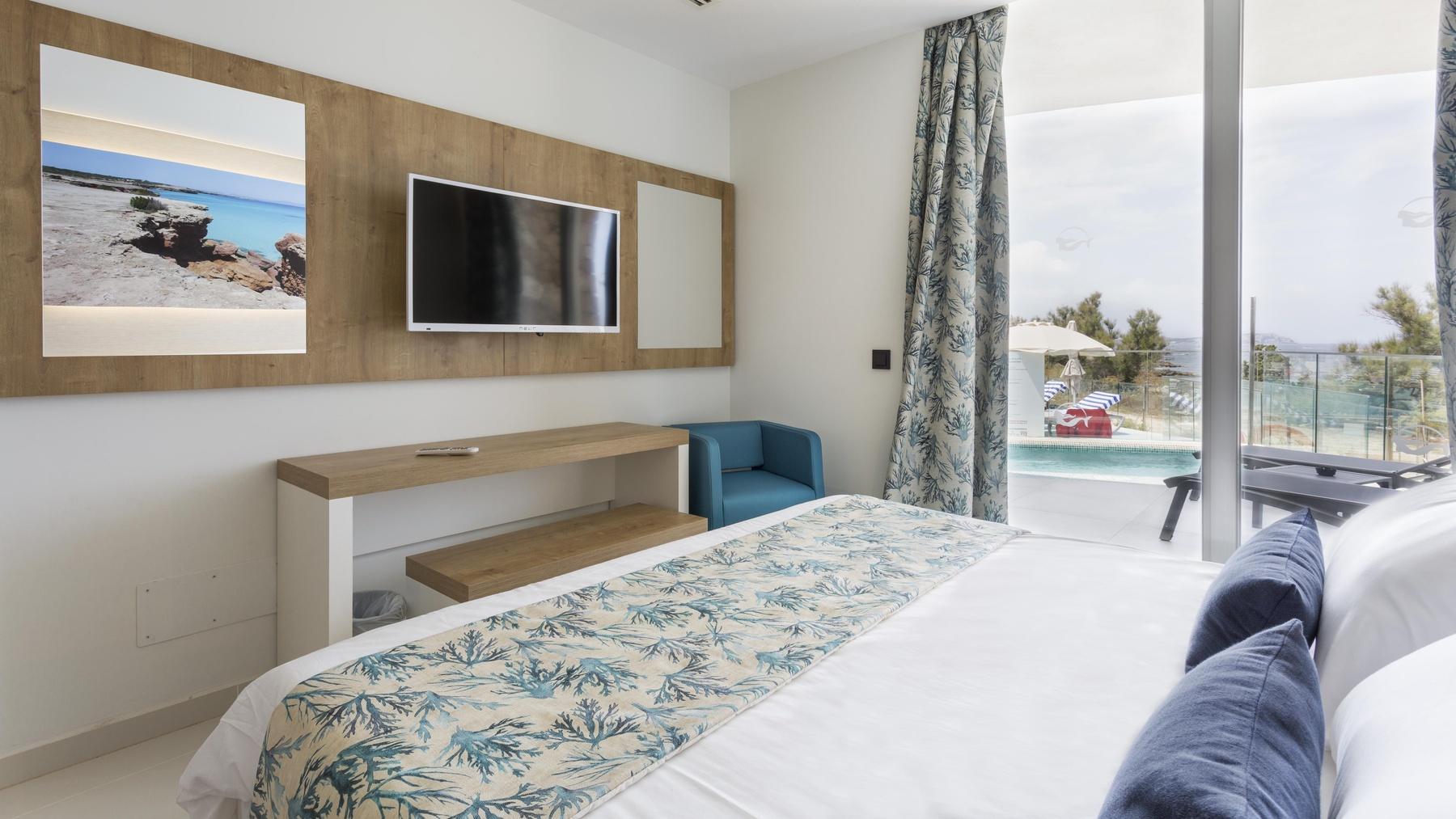 Deluxe Master Suite 2 bedrooms, whirlpool